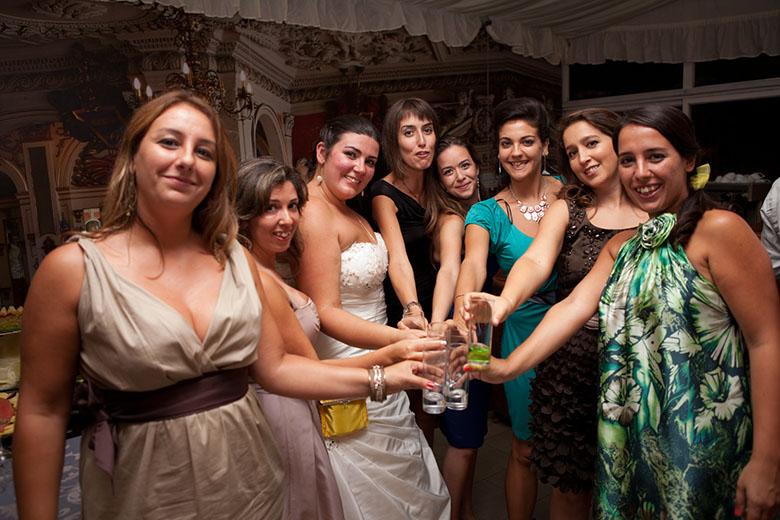 As meninas da Despedida de Solteira ;)