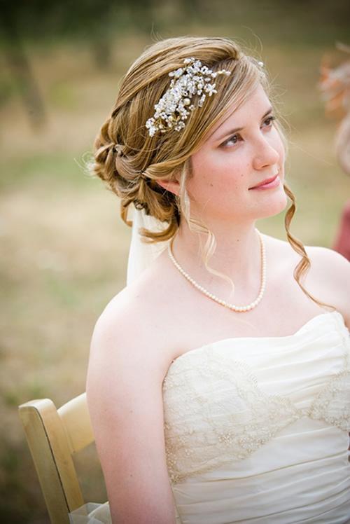 Penteado de noiva romântico