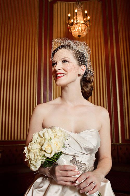 Penteado de noiva de look anos 50
