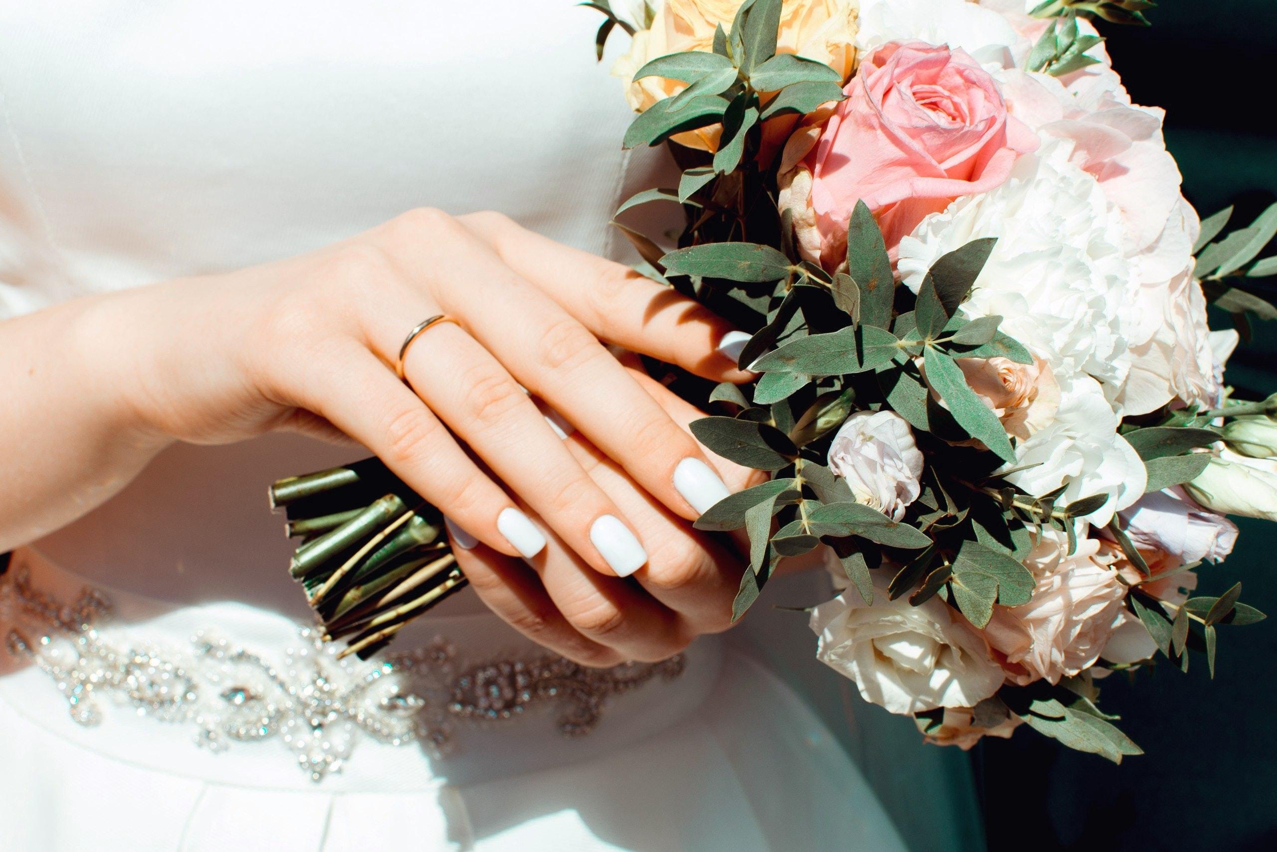 Noiva com aliança