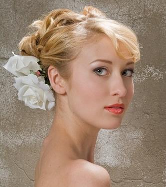 Noiva com cabelo loiro