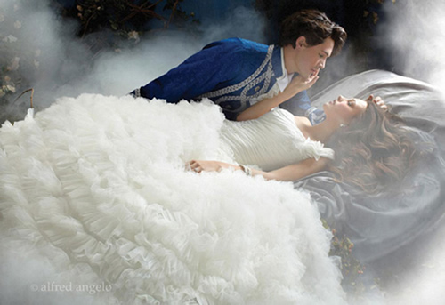 fairy-tale-wedding-ideas-with-disney-inspired-bridal-gowns-03