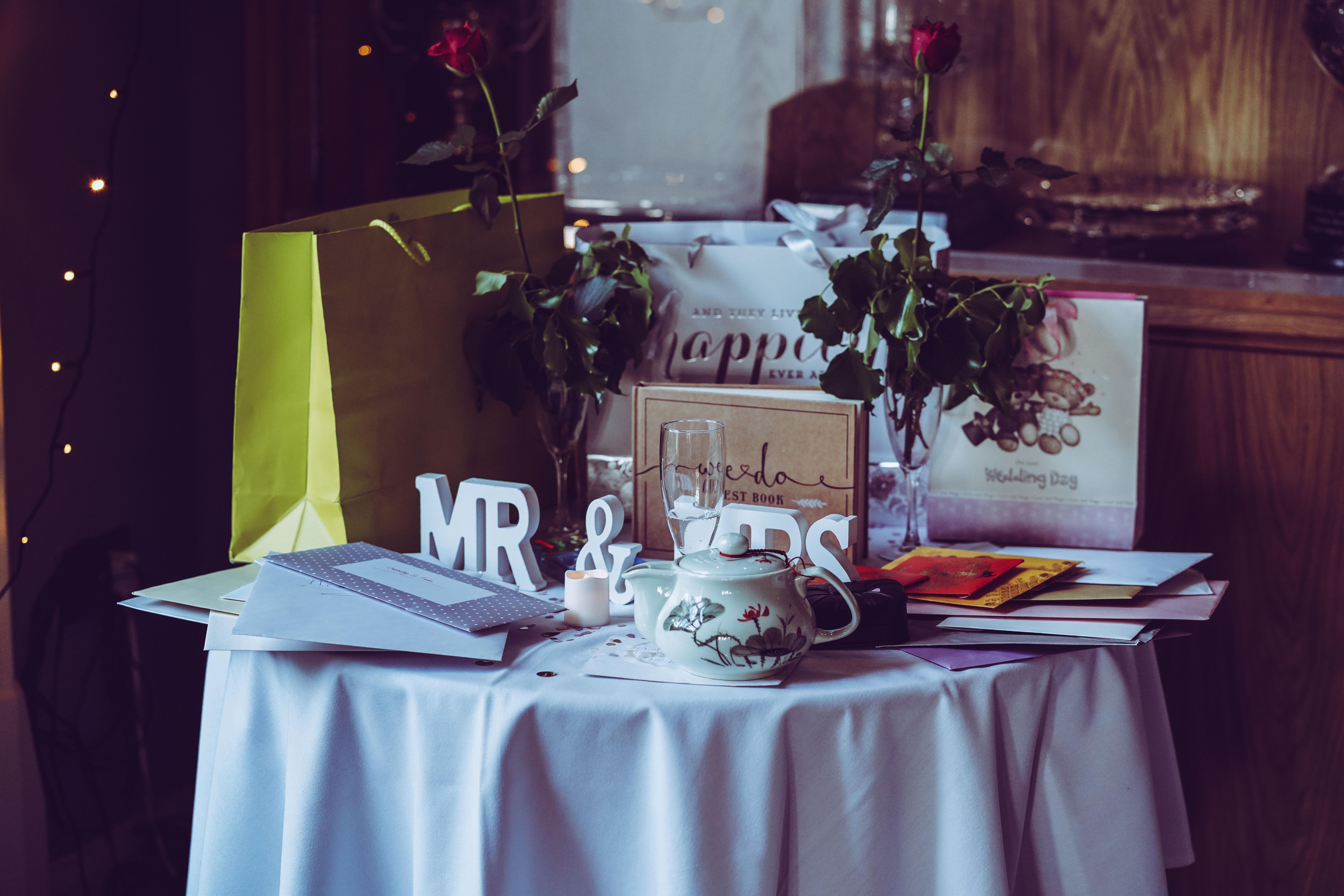 Mesa com presentes