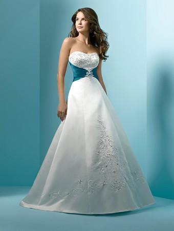 Vestido de noiva detalhe azul