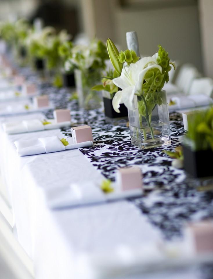 decoração em verde de mesa de casamento