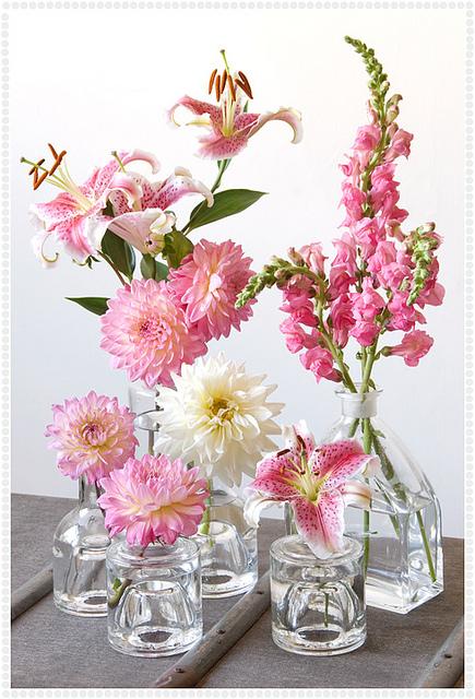 flores em garrafinhas