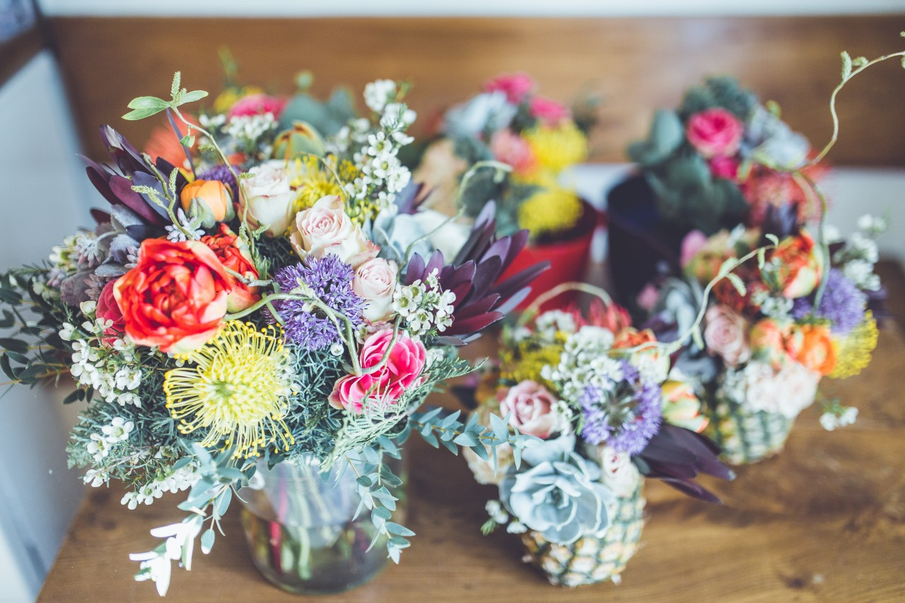 centros de mesa com flores