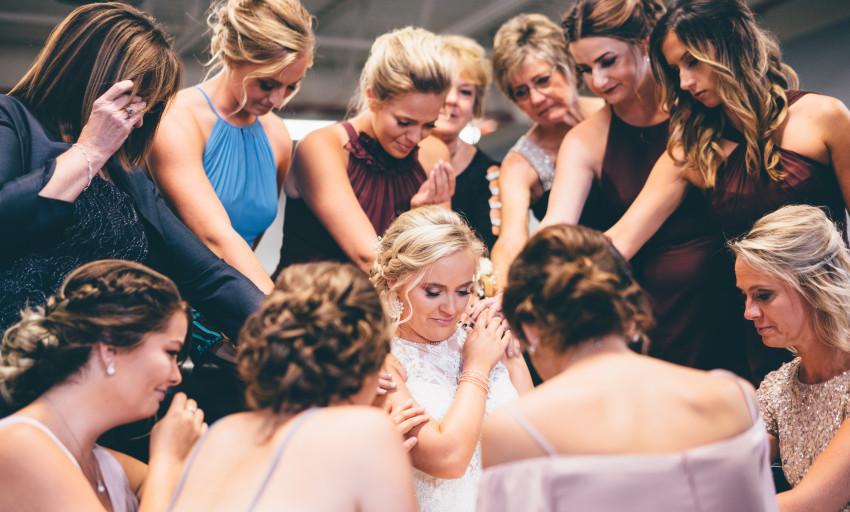 Noiva com convidadas